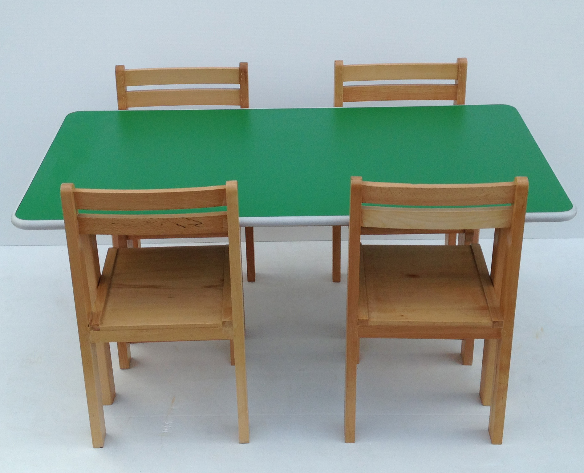 Pre School Kids Table & Chairs Classroom Desk